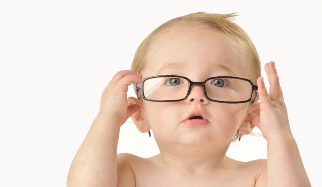Những dấu hiệu cảnh  báo con bạn đang gặp  vấn đề về thị giác