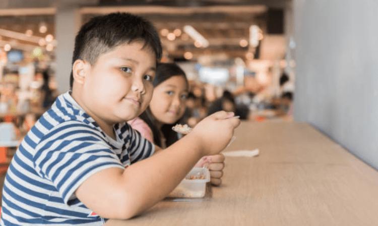 Cách duy trì cân nặng cần thiết tránh béo phì cho trẻ ba mẹ nên biết