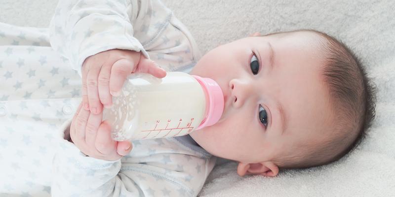 Mẹ Nhật cho bé uống sữa gì sau khi tròn 1 tuổi?