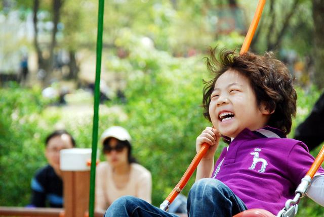 Cách nuôi dạy những đứa trẻ khỏe mạnh cho gia đình hiện đại